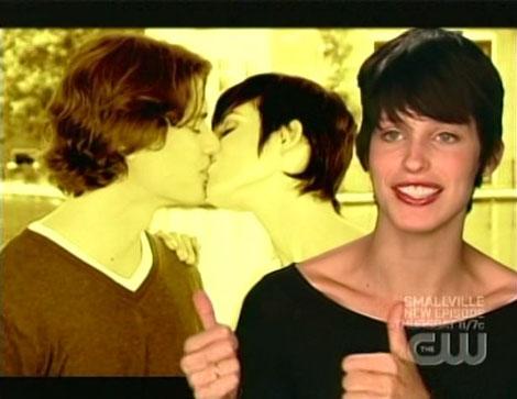 C11e12_mckey_kissing