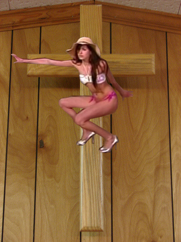 Antm13_1_amber_crucified
