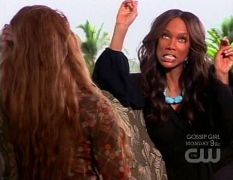 Antm13_12_tyra_airquotes
