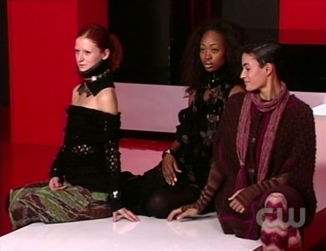 Antm15_9_girls_sit