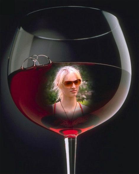 Jenah_wine_glass